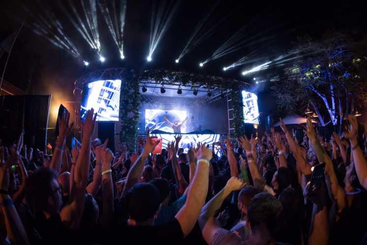 Concert at MAPS Backlot
